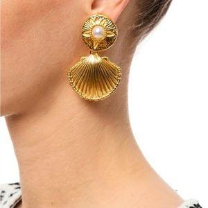 NWOT KJL by Avon Gold shell - drop earrings